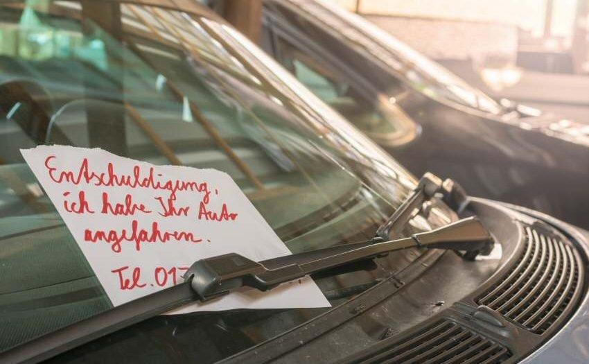 Nach Verkehrsunfall korrekt verhalten