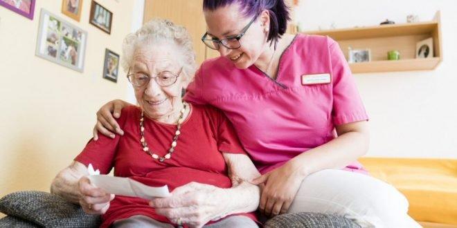 Abwertung der Altenpflege verhindern