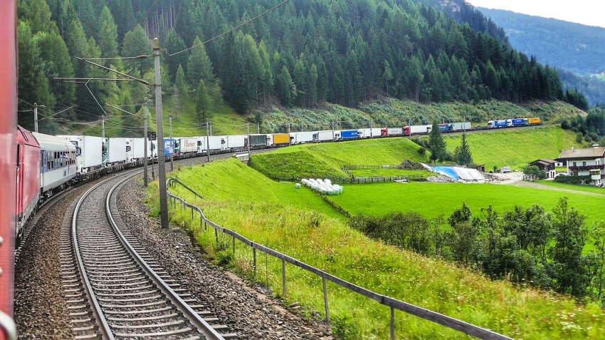Ferienstart Umweltvergleich - die Bahn liegt vorn