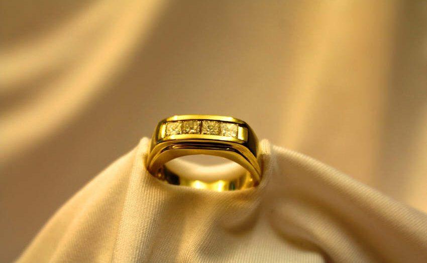 Marlene Dietrichs Ring für 7.877 Euro versteigert